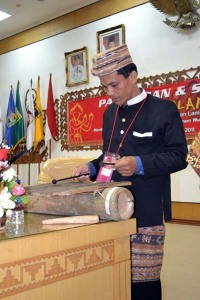 Dosen Program Studi Seni Tari FKIP Universitas Lampung (Unila) Hasyimkan